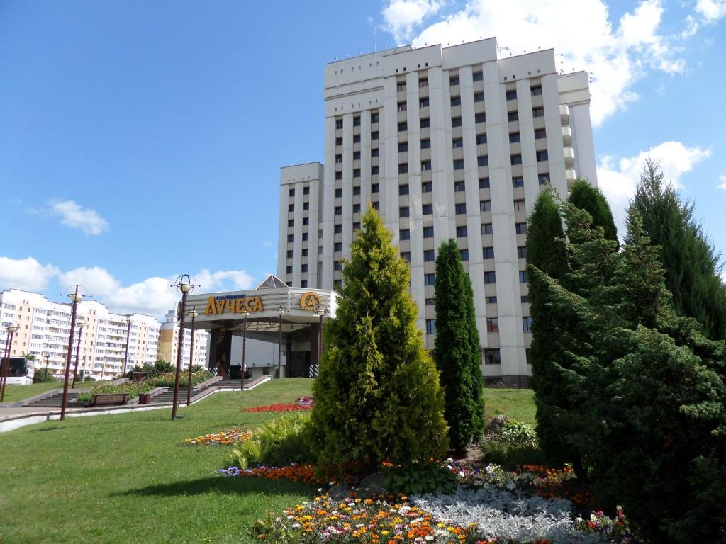 Отель Лучёса - превью-фото №1
