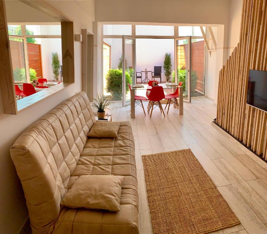 Отель New 2-level luxury apartments with terrace in the - фото №1