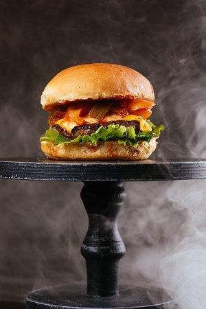 Сетевой фастфуд ресторан Burgerhub - превью-фото №1