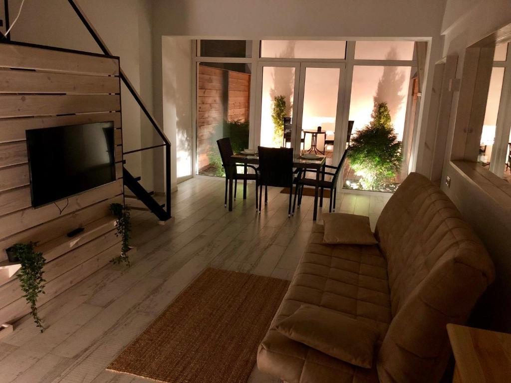 Отель New 2-level luxury apartments with terrace in the - фото №12