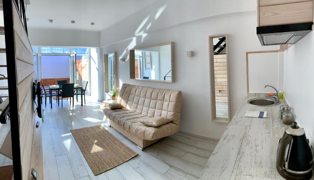 Отель New 2-level luxury apartments with terrace in the - фото №10