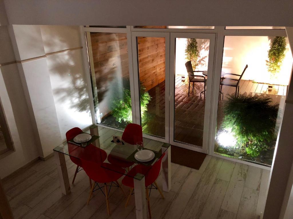 Отель New 2-level luxury apartments with terrace in the - фото №5