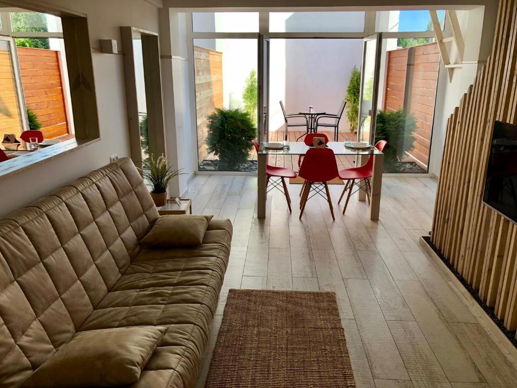 Отель New 2-level luxury apartments with terrace in the - фото №13