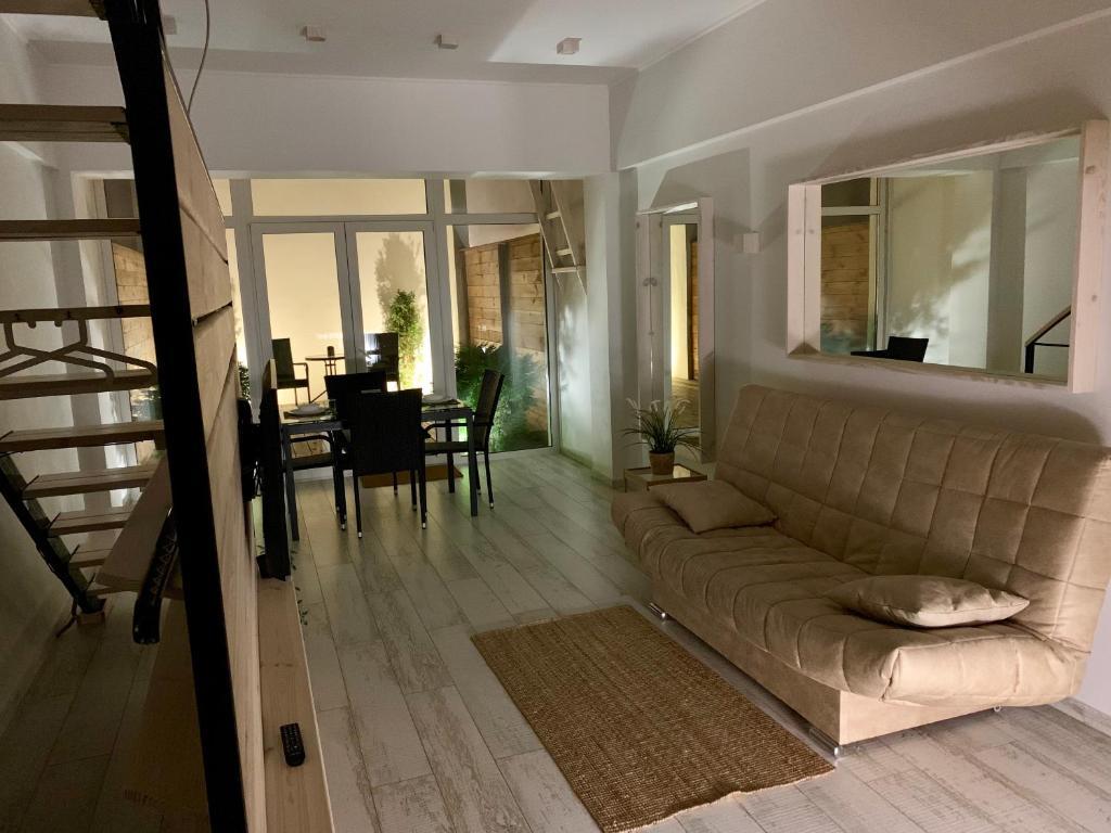Отель New 2-level luxury apartments with terrace in the - фото №15