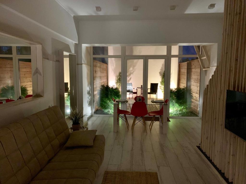 Отель New 2-level luxury apartments with terrace in the - фото №19