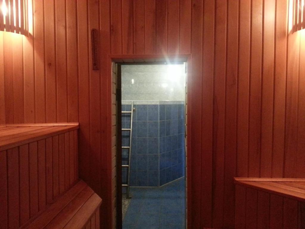 Отель With sauna - фото №9