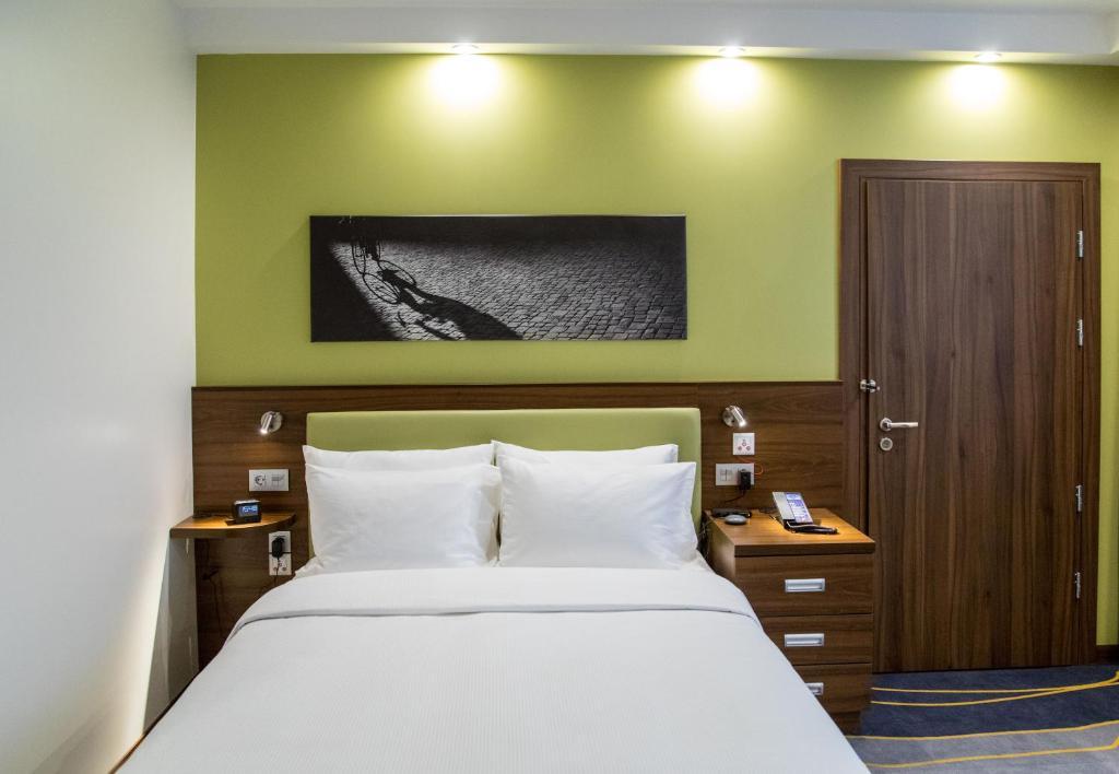 Отель Hampton by Hilton Brest - фото №22