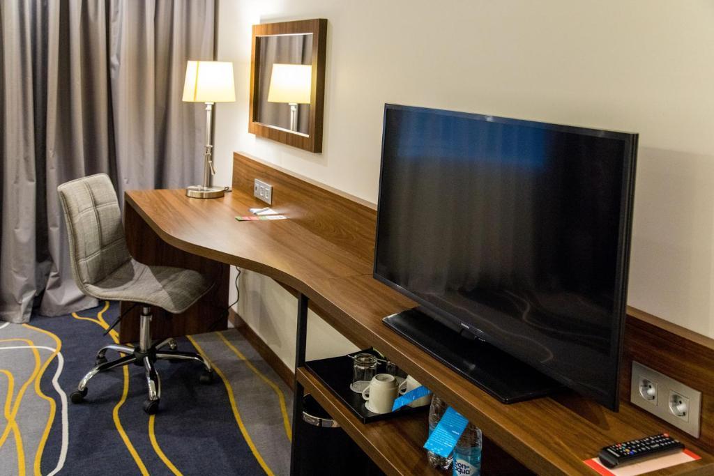 Отель Hampton by Hilton Brest - фото №33