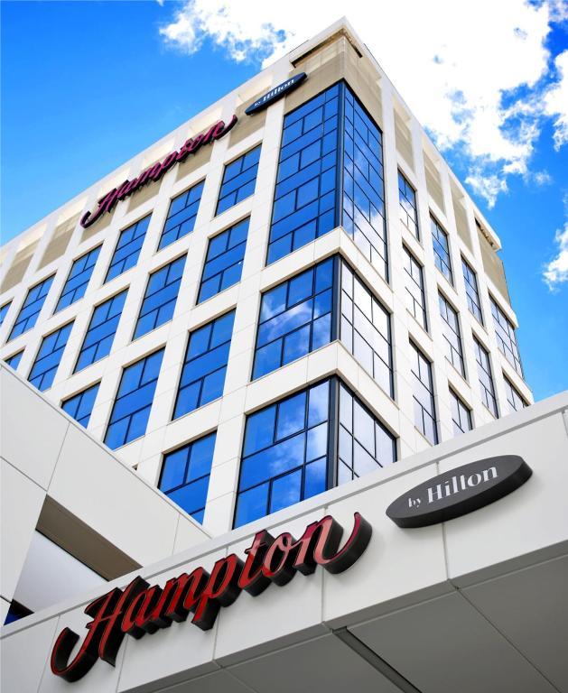 Отель Hampton by Hilton Brest - фото №42