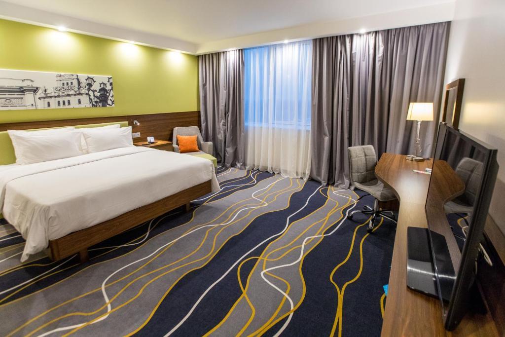 Отель Hampton by Hilton Brest - фото №4