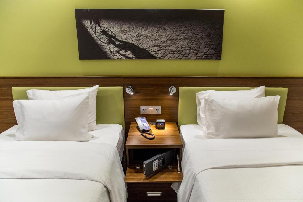 Отель Hampton by Hilton Brest - фото №2
