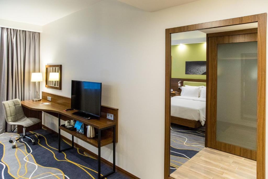 Отель Hampton by Hilton Brest - фото №21