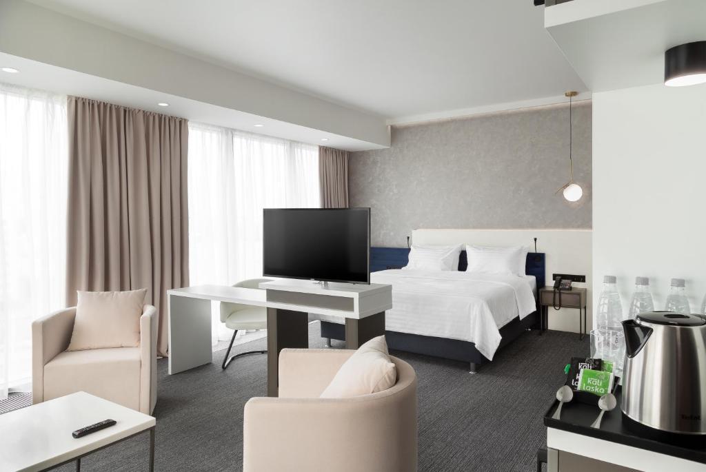 Отель Hotel ATRIUM - фото №2