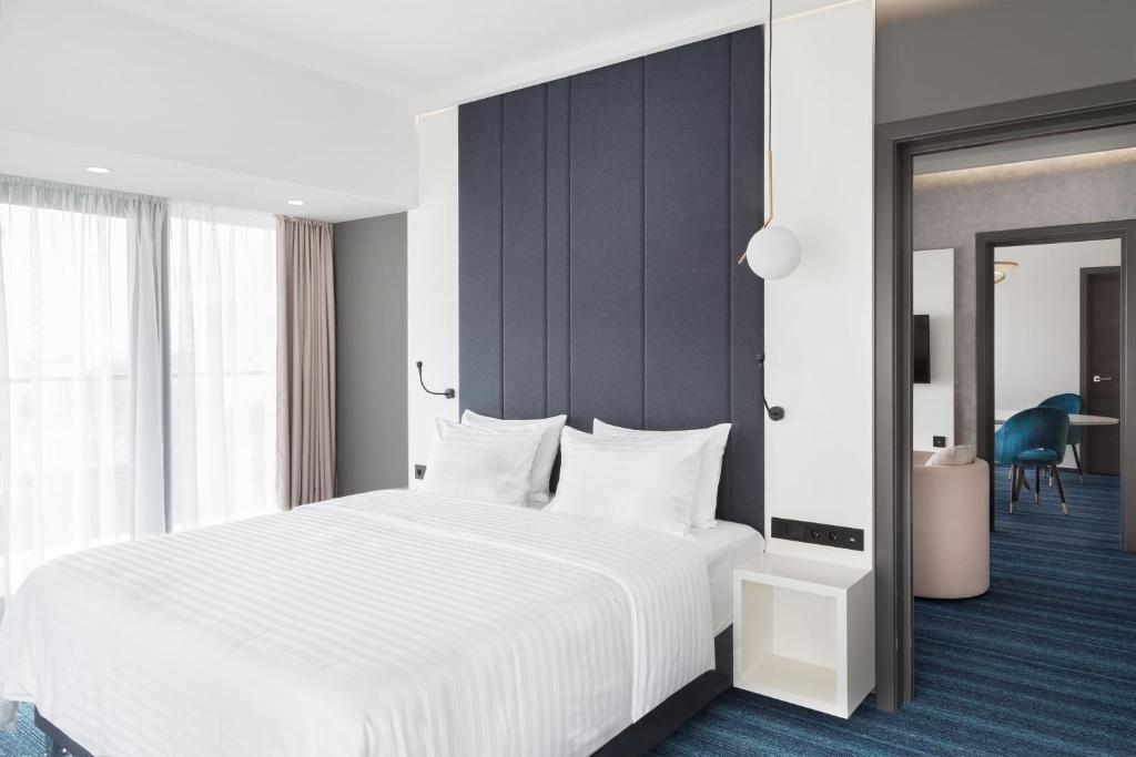 Отель Hotel ATRIUM - фото №4