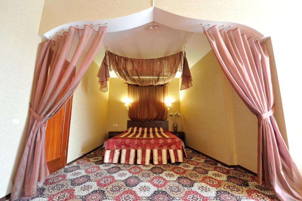 Отель Губернская - фото №57