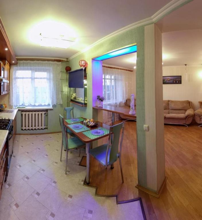 Отель На Сурганова - фото №2