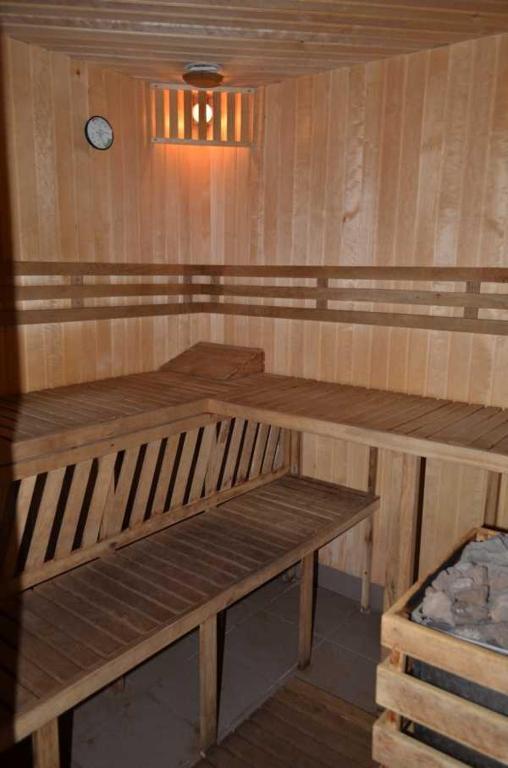 Отель With sauna and pool - фото №9