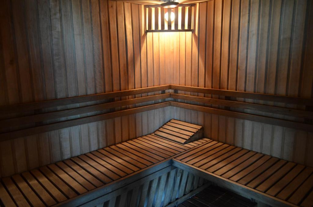 Отель With sauna and pool - фото №35
