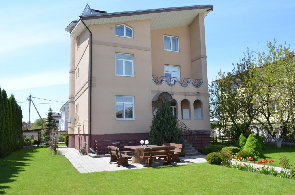 Отель With sauna and pool - фото №45