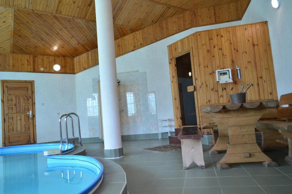 Отель With sauna and pool - фото №38