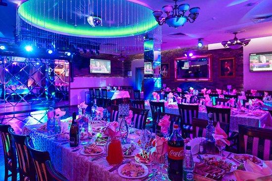 "Ресторан Kараоке-ресторан ""12 Стульев"" - фото №4"