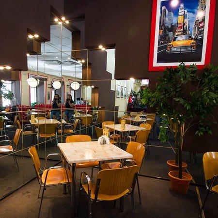 "Сетевой фастфуд ресторан Ресторан ""Бургер Пицца"" - фото №21"