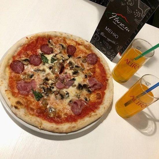 Кафе Кафе-пиццерия Наполи - фото №3
