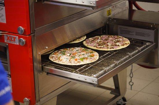 Сетевой фастфуд ресторан Dominos Pizza - фото №15