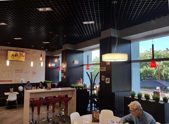 Сетевой фастфуд ресторан Dominos Pizza - фото №18